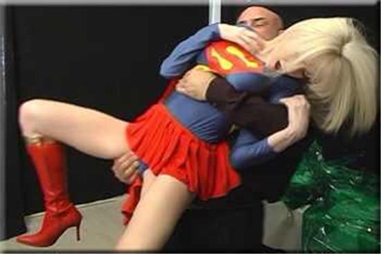 女超人受难图解:女超人h版截图欣赏,欧美女超人受难动态