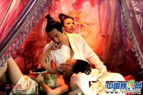 古代皇帝活春官图片 :古代皇帝玩妃子图片