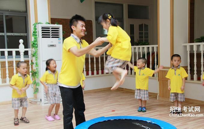 幼师专业面试英语介绍5篇