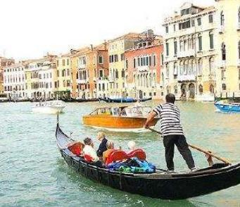 【威尼斯的小艇教学设计第二课时】威尼斯的小艇教学设计大全